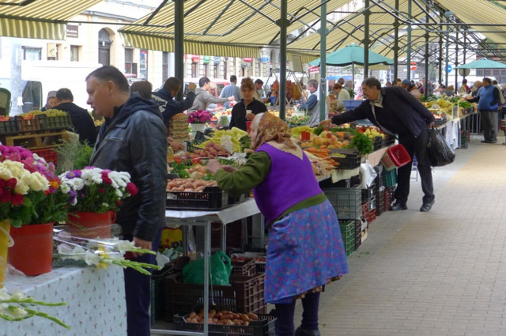 LocalGuideinBudapest-hidden-local-market